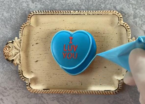 【バレンタイン】想いが伝わるアイシングクッキーの作り方♪手順4