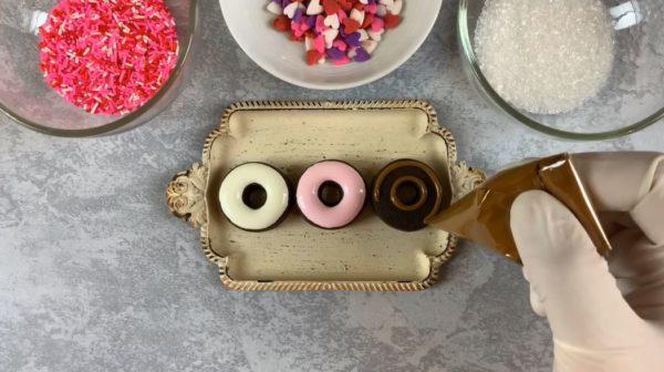 【バレンタイン】ミニドーナツ型アイシングクッキー 手順3