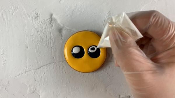 かんたん♪ ぴえんアイシングクッキーの作り方3